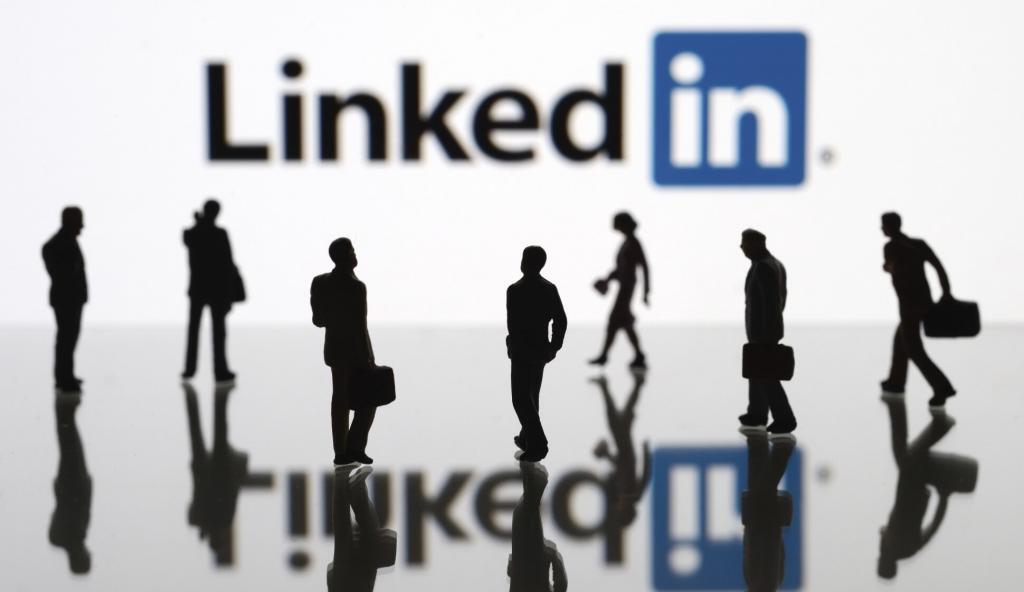 ¿Cómo se definirían las redes sociales a sí mismas? Linkedin